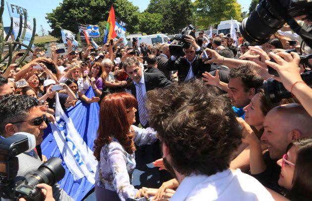 Cristina reapareció públicamente tras la derrota del FpV en el balotaje.