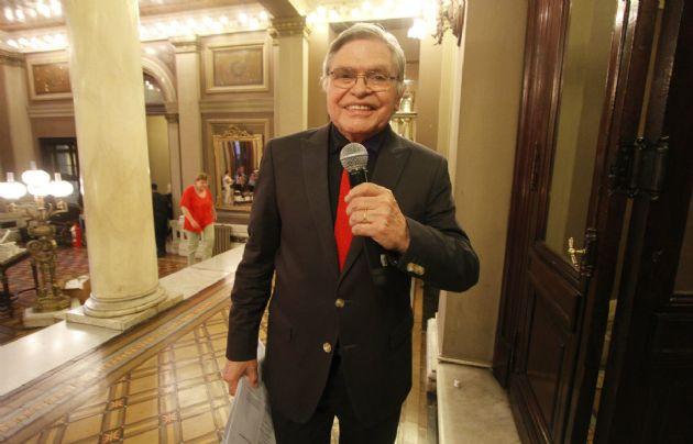 Rony Vargas presentó ''Grandes Entrevistas''.