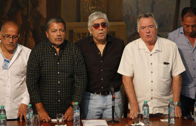 Dirigentes de las tres CGT participaron del plenario.