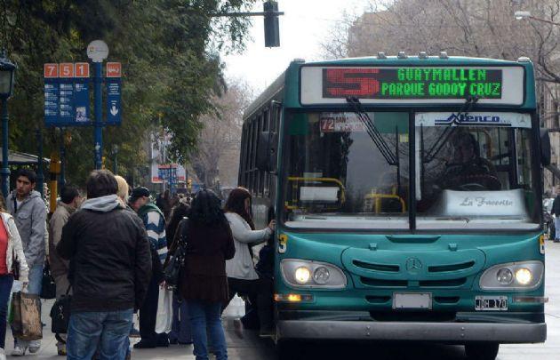 Se normaliza el servicio de transporte en Mendoza.