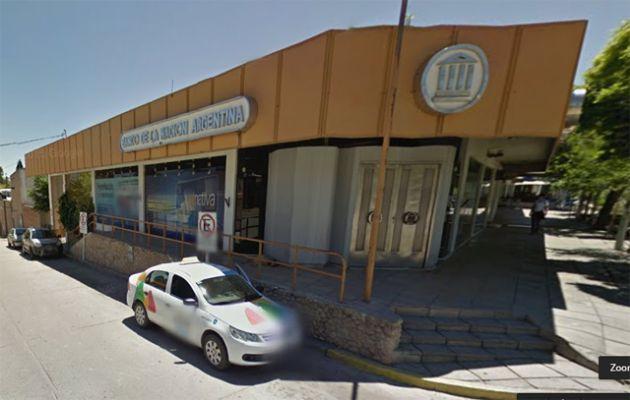 Sofocaron un incendio en el Banco Nación de Mina Clavero (Foto: Street View)
