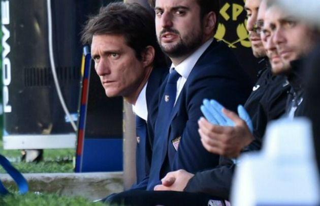 Barros Schelotto en su breve paso como DT del Palermo.
