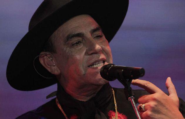 Palavecino pide trato igualitario para artistas locales