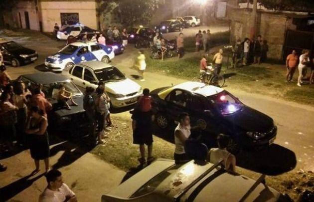 Taxistan realizan un paro y planean otras medidas de fuerza. (Foto: Uno Santa Fe)