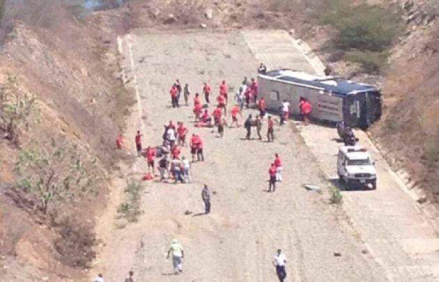 El colectivo de Huracán volcó hace dos semanas en Venezuela.