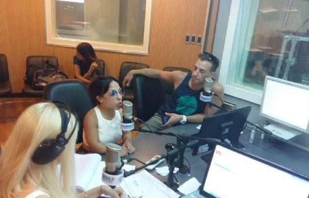 Noelia Pompa y Maxi de la Cruz en Viva la Radio.