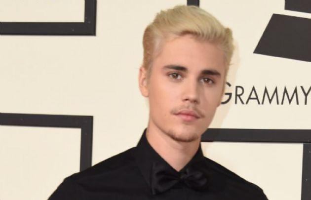 Justin Bieber en los Grammys 2016. (Foto: @notisbieber)