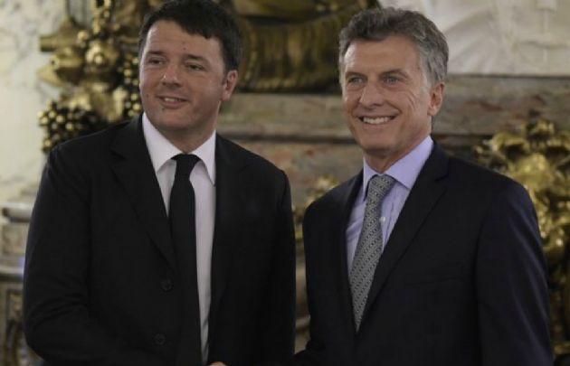 Renzi y Macri en Casa Rosada (Foto: @Adnkronos)