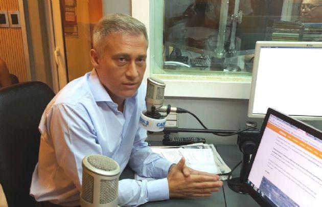 Esteban Avilés visitó los estudios de Cadena 3.