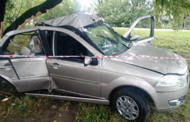 Así quedó el Fiat Siena siniestrado (Foto: @AKVallori, @eldoce .TV)