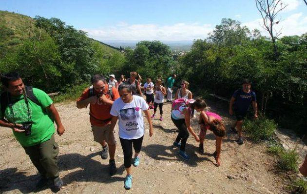 Marcha al Cerro de la Cruz (Foto @SantiBerioli)