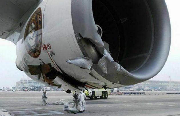 - El avión Ed Force One sufrió un desperfecto en Chile.