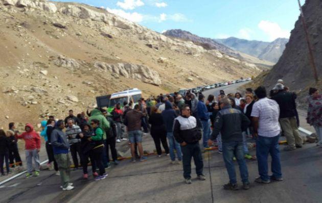 Corte en el paso a Chile (Foto: Juan Esteban Vargas)