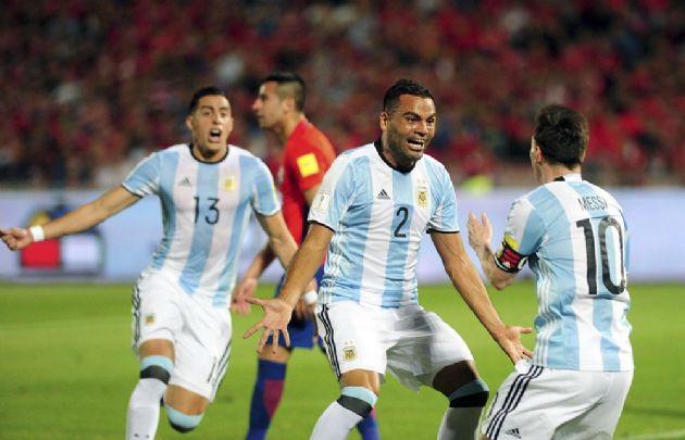 Mercado marcó el segundo tanto de Argentina.