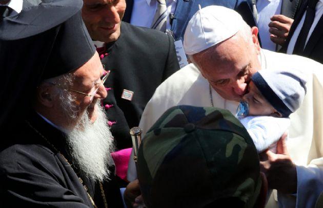 El Papa realiza un viaje relámpago a Grecia.