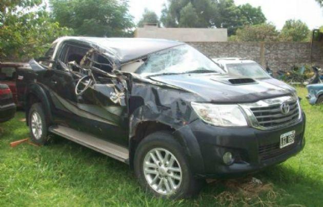 Así quedo la camioneta tras el accidente (Foto Twitter)