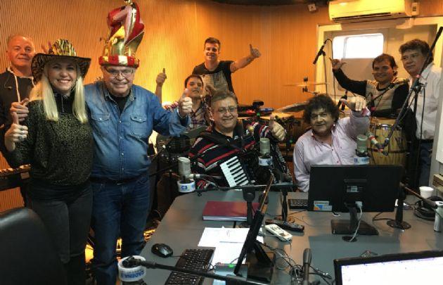 Los Palmeras hicieron bailar a ''Viva la Radio''.
