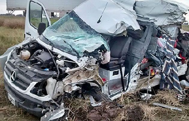 El conductor y acompañante murieron en el acto (Foto: El Puntal)