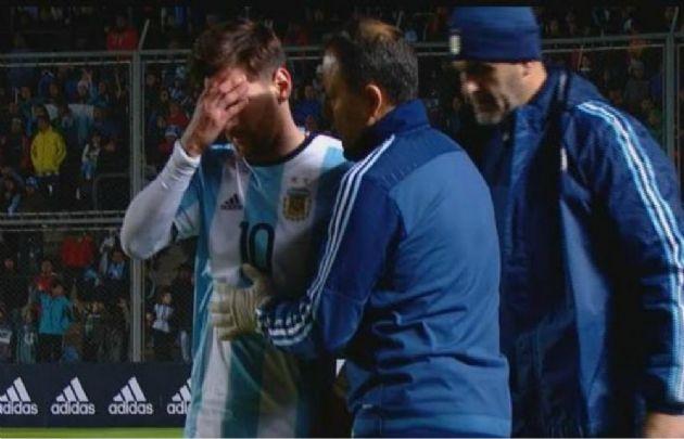 Messi se retiró con un golpe en el amistoso (Foto: Captura TV)