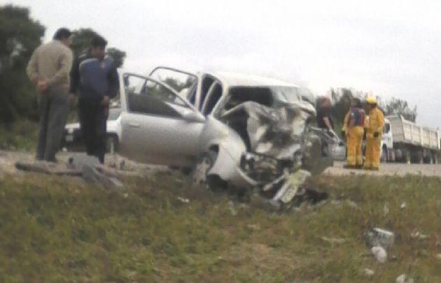 Cuatro personas murieron en Orán tras un trágico accidente.
