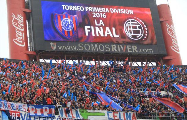 Lanús y San Lorenzo protagonizaron la final del certamen en la cancha de River.