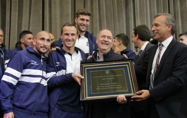Schiaretti recibió al plantel de Talleres campeón