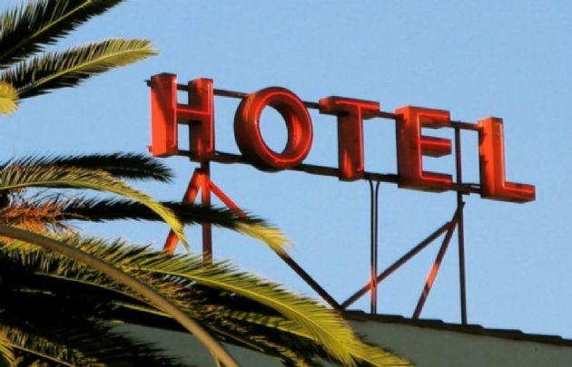Hoteleros advierten que las subas dañan su actividad.