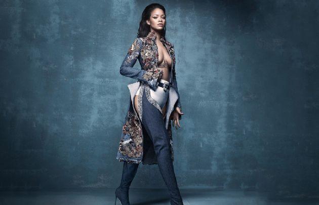 """Rihanna en una de las escenas del video de """"This is what you came for""""."""