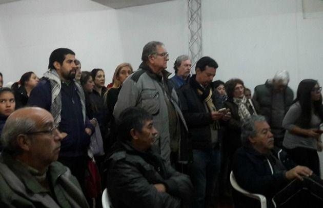 Vecinos de Alberdi debatieron sobre el tarifazo (Foto: Matías De Alberdi)