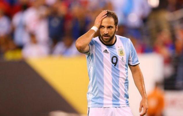 Higuaín tiene un karma en las finales con la Selección.