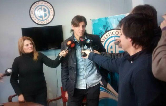 Montoya firmó su vínculo con Belgrano.