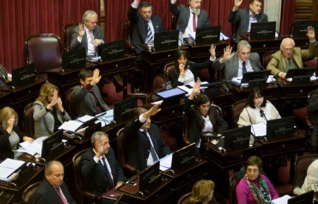 El oficialismo logró aprobar la ley ómnibus que impulsó el presidente Macri.