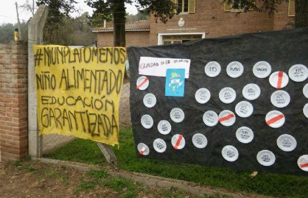Ni un plato menos, la protesta en la primaria Rueda de La Granja.