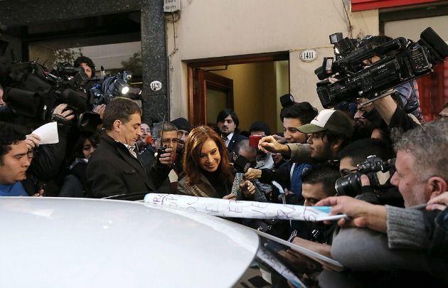 La ex Presidenta criticó a Macri por su seguimiento mediático.