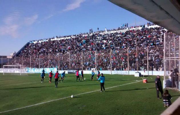 Belgrano jugó un amistoso en Alberdi con San Martín ante una multitud.