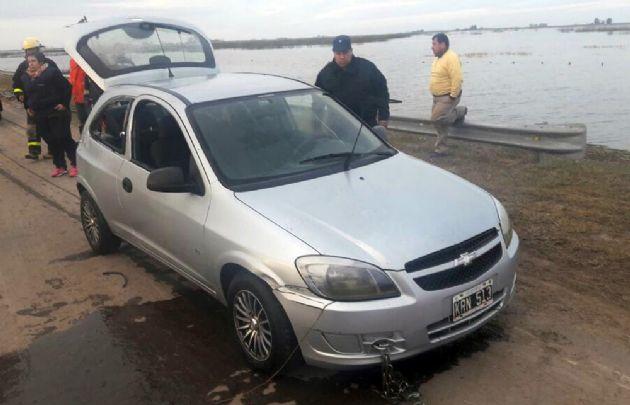 El auto de Formento es un Chevrolet Celta gris. (Fotos: elsoberanoenlaweb.com.ar)
