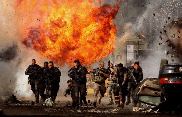 Explosiones y destrucción por doquier en todas las entregas de Transformers.