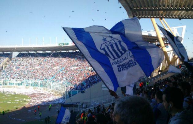 Los hinchas de Talleres y Belgrano colmaron el Kempes (Foto: @dboldini)