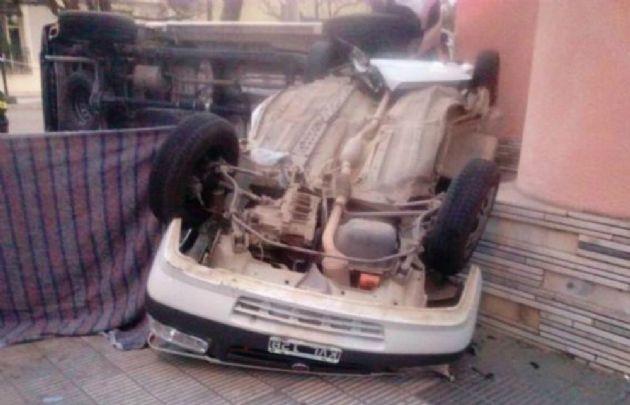 Así quedaron los vehículos tras el siniestro (Foto: Policía de Río Tercero)