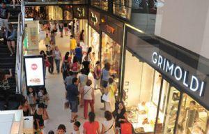 El aumento en las ventas se debió a que hubo más viajantes.