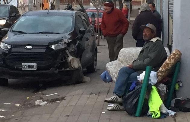 Los accidentes dejaron por fortuna sólo heridos leves.