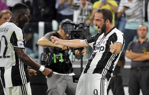 Higuaín marcó el gol del triunfo de Juventus en su debut.