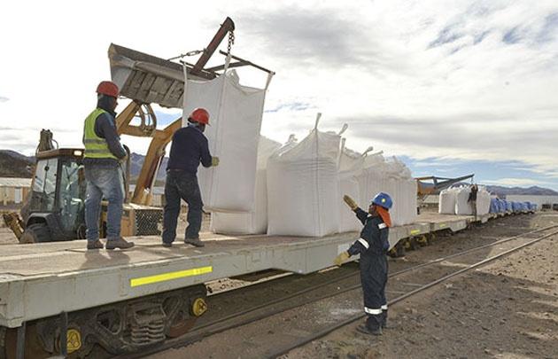 Se reactivo el comercio exterior a Chile a través del Ferrocarril Belgrano
