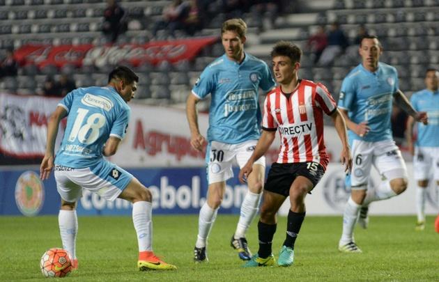 Estudiantes venció a Belgrano en La Plata por la Sudamericana.