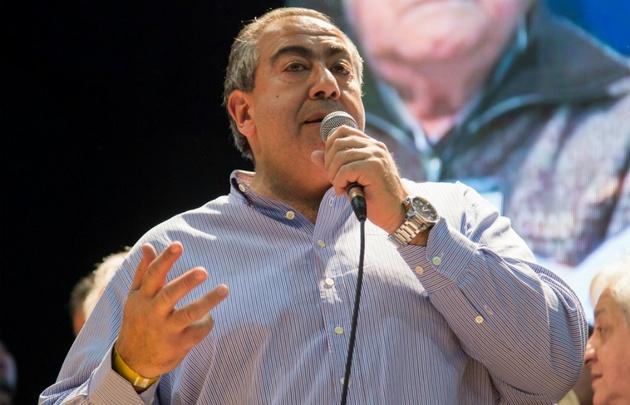 Héctor Daer amenazó con movilización si no cambian las políticas económicas