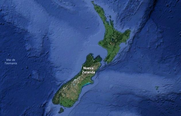 Radio Nueva Zelanda recomendó a los residentes alejarse de la costa.