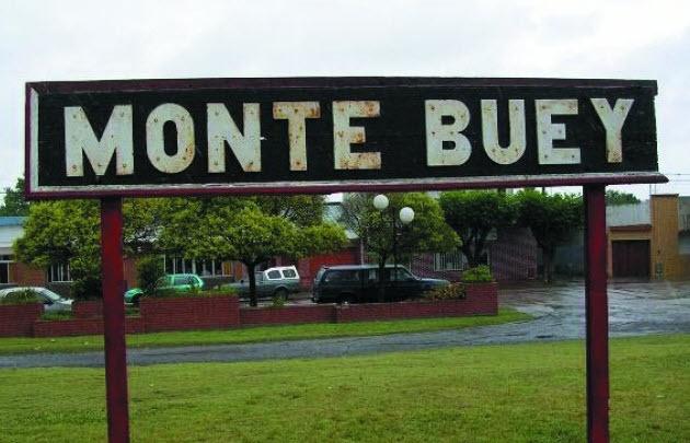 El trágico choque se produjo en la localidad de Monte Buey.