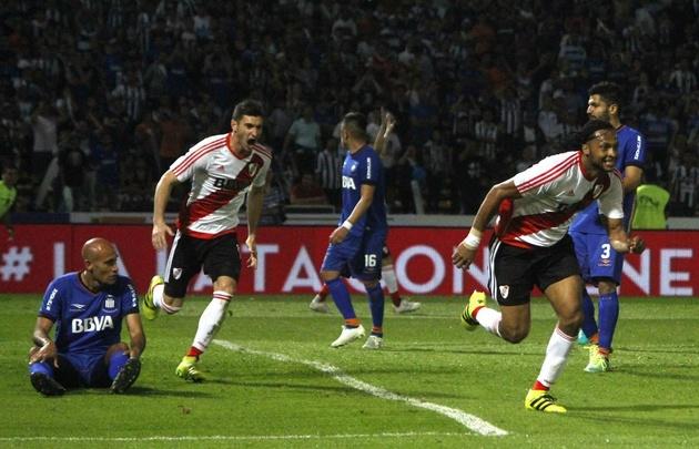El ecuatoriano Arturo Mina marcó el gol de River a los 15 minutos del segundo tiempo.