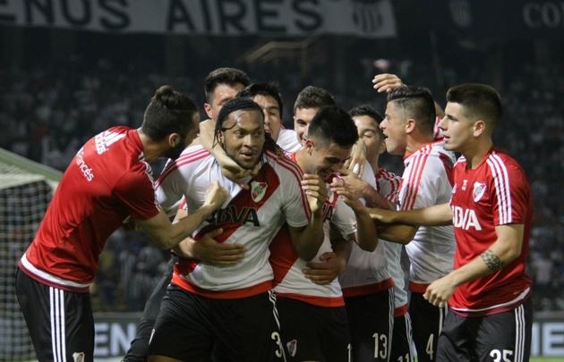 River venció a Talleres en el Kempes con gol de Mina.