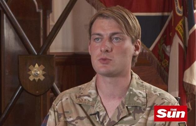 Chloe Allen, (24) es el primer transgénero incluído en el ejército británico.